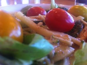 thaipeanutsalad