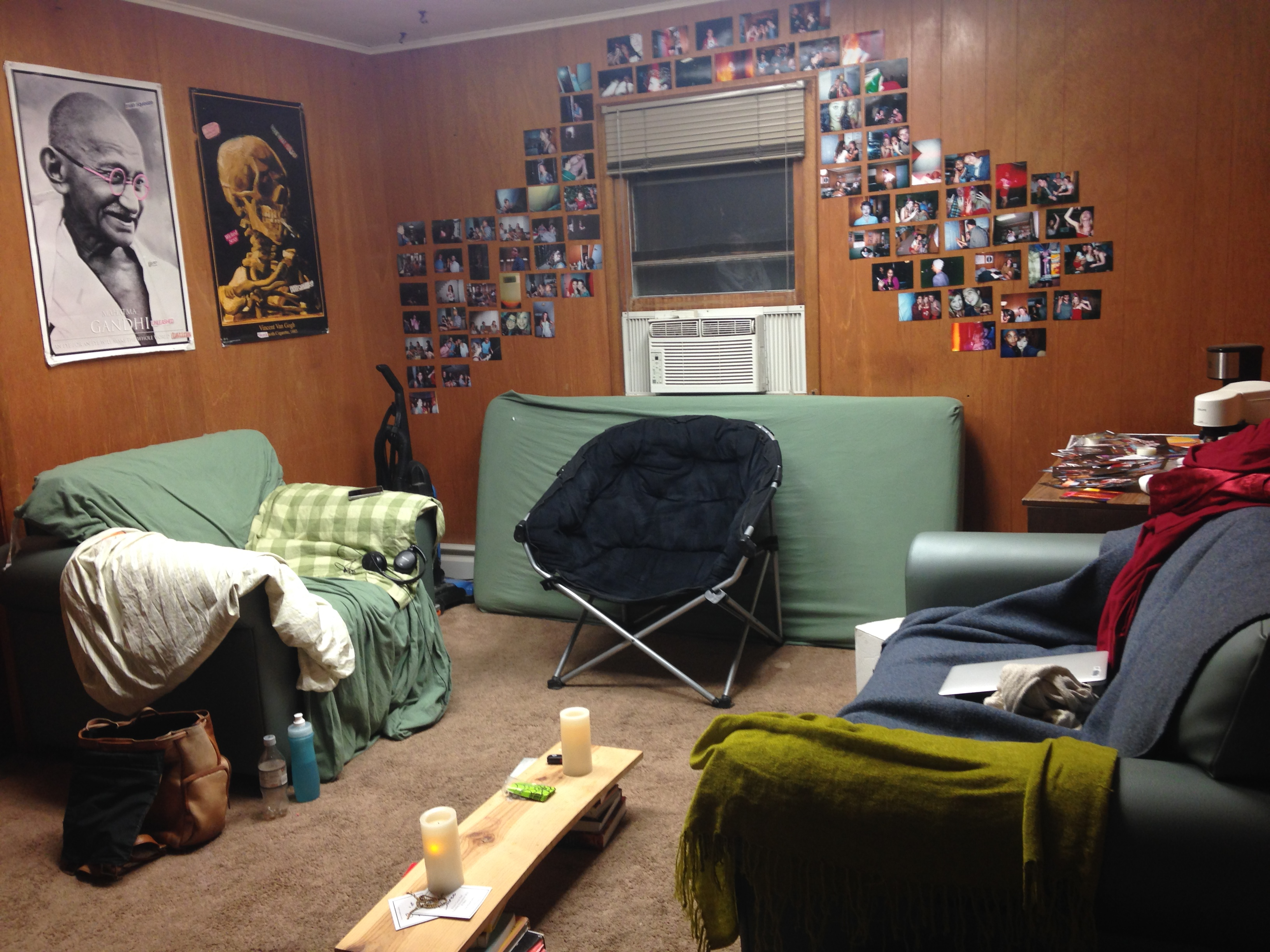 Crappy apartment living room - Cove Common Room