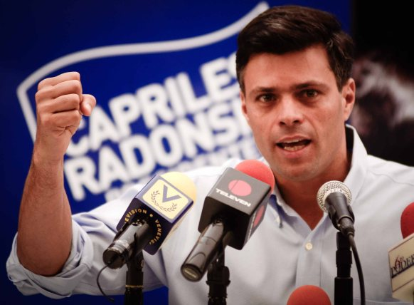 Photo via leopoldolopez.com