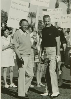Sinatra (left) and Agnew (right) golfing together in the early 70s. (image via haroldrobbinsnovels.wordpress.com)