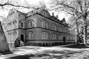 Hanna Hall (three-quarter view, ca. 2005), Kenyon College