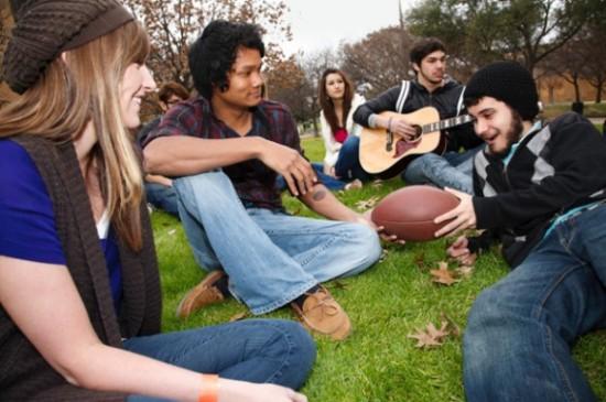 college-activities-580x385