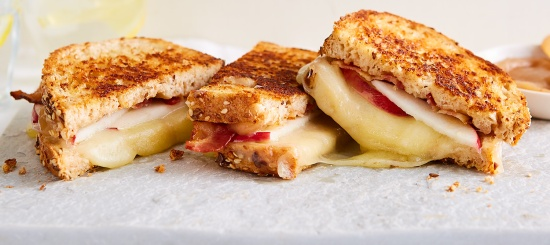 cinnamon-apple-butter-grilled-cheese